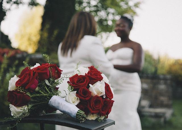 azonos nemű pár esküvő - leszbikus